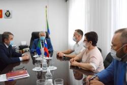 Уполномоченный по правам человека Игорь Чесницкий провел рабочую встречу с руководством Общественной палаты Хабаровского края