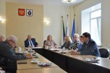 Игорь Чесницкий провел встречу с членами общественной наблюдательной комиссии Хабаровского края