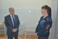 Уполномоченный по правам человека в Хабаровском крае проверил изолятор временного содержания ОМВД России по району им. Лазо