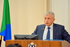 Уполномоченный представил депутатам законодательной думы Хабаровского края доклад о своей деятельности в 2018 году