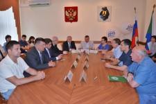 Уполномоченный по правам человека в Хабаровском крае Игорь Чесницкий принял участие в церемонии подписания Соглашения «За честные выборы»